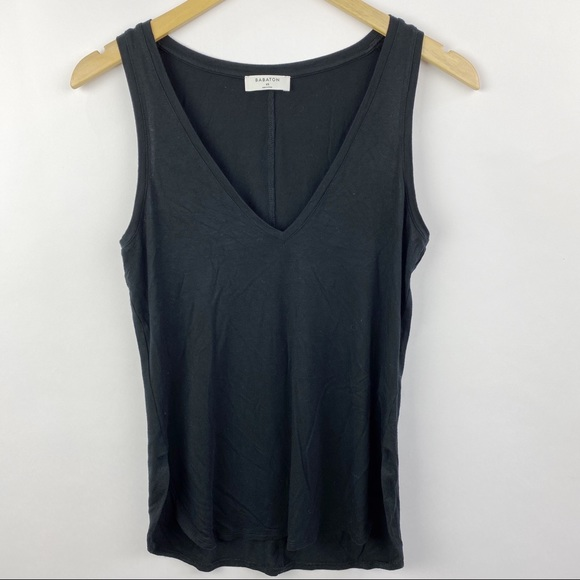 Aritzia Babaton V neck black tank top